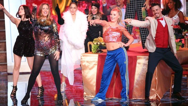 """Mama und Tochter Schweiger machen auf """"Spice Girls"""". (Bild: RTL)"""