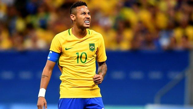 Neymar & Co. enttäuschen: Brasilien droht das Aus (Bild: AFP)