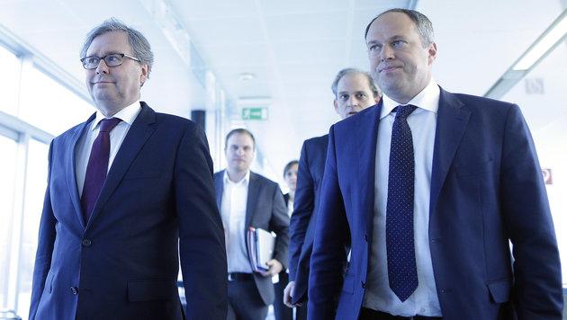 Im Gleichschritt ins Finale: Wrabetz (links) und Herausforderer Grasl (Bild: APA/Georg Hochmuth)