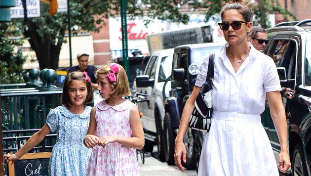 Suri Cruise mit Mama Katy Holmes in New York (Bild: AUG/face to face)