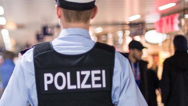"Bayern: ""Verd�chtige Person"" l�ste Gro�einsatz aus (Bild: APA/dpa/Maja Hitij)"