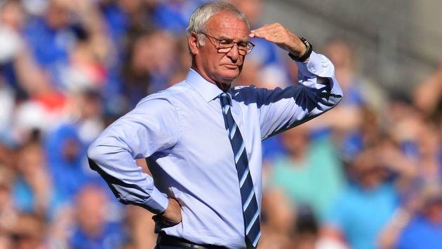 Claudio Ranieri bleibt Christian Fuchs erhalten (Bild: APA/AFP/GLYN KIRK)