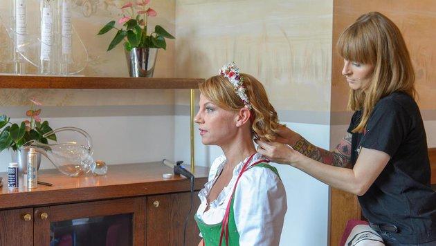 """Kränzchen von """"Miss Lillys Hats""""-Designerin Niki Osl (Bild: ViennaPress / Andreas TISCHLER)"""