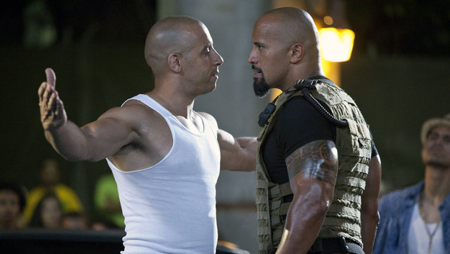 Vin Diesel (l.) und Dwayne Johnson 2011 (Bild: Moviestore Collection/face to fa)