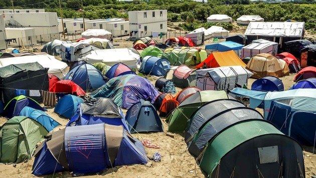 Calais: Mauer soll Flüchtlingsroute dichtmachen (Bild: AFP)