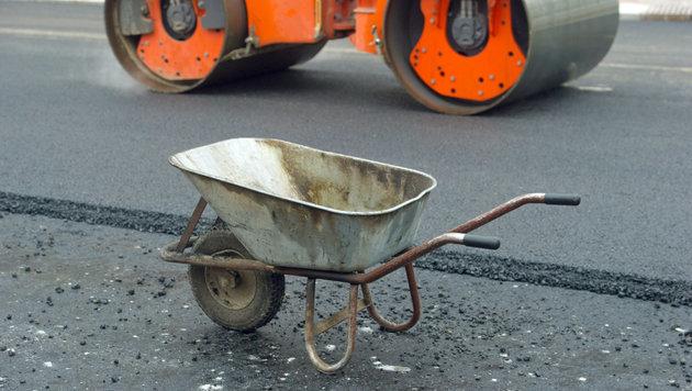 """Autos mit Beton verschmutzt: """"Wer zahlt Schaden?"""" (Bild: APA/dpa-Zentralbild/Stefan Sauer (Symbolbild))"""