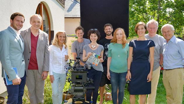 """Hader und Hierzegger auf dem Weg zur ORF-""""Notlüge"""" (Bild: ORF)"""