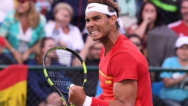 Rafael Nadal hat im Doppel zumindest Silber sicher (Bild: APA/AFP/LUIS ACOSTA)
