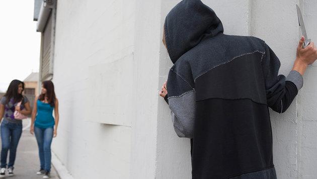 Schüler lernen richtiges Verhalten bei Anschlägen (Bild: thinkstockphotos.de (Symbolbild))
