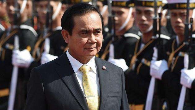 Seit dem Militärputsch im Jahr 2014 übt General Prayut Chan-o-cha die Regierungsgewalt aus. (Bild: APA/AFP/CHRISTOPHE ARCHAMBAULT)