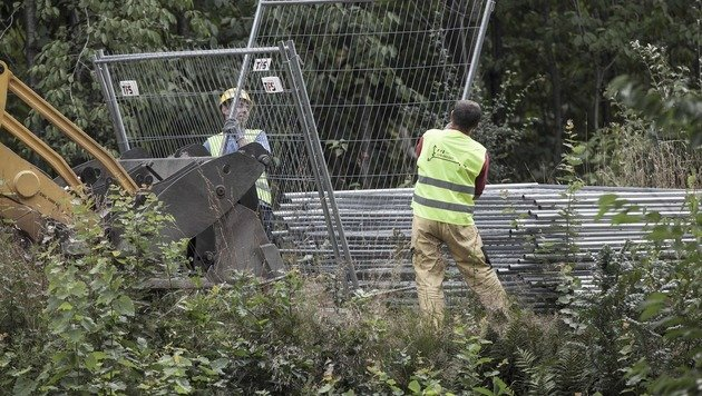 "Polen: ""Nazi-Goldzug""-Suche vorerst eingestellt (Bild: APA/AFP/PAP/ALEKSANDER KOZMINSKI)"