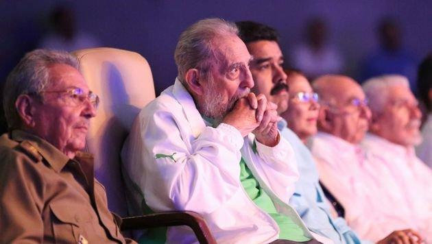Kubas Ex-Präsident Fidel Castro (90) verstorben (Bild: APA/AFP/Prensa Miraflores/Marcelo Garcia)