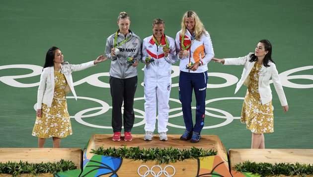 Das Siegerpodest mit Kvitova (Gold), Kerber (Silber) und Puig (Gold) (Bild: APA/AFP/LUIS ACOSTA)