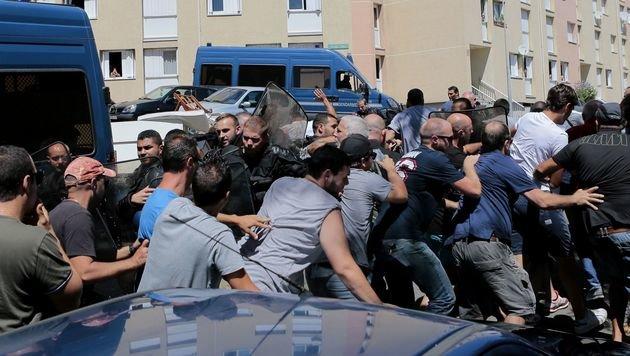 W�ster Streit wegen Burkini-Fotos auf Korsika (Bild: APA/AFP/Pascal Pochard-Casabianca)