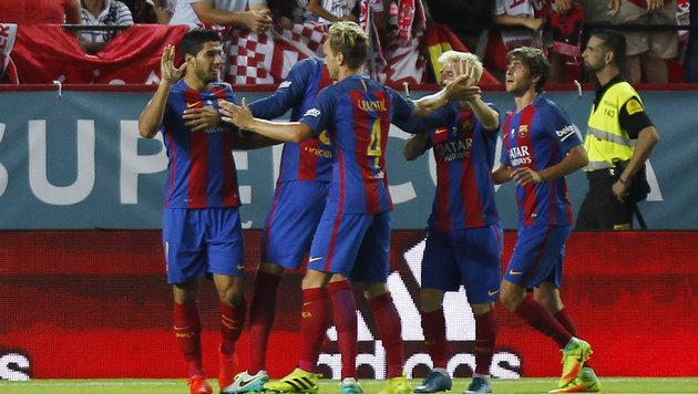 Barcelona gewinnt Supercup-Hinspiel gegen Sevilla (Bild: AP)