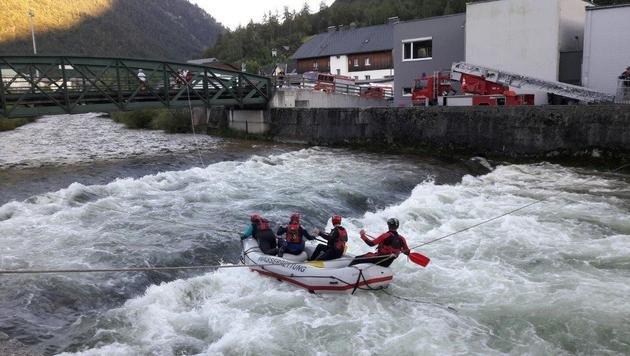 Familienvater bei Surf-Unfall in Fluss ertrunken (Bild: Österreichische Wasserrettung)