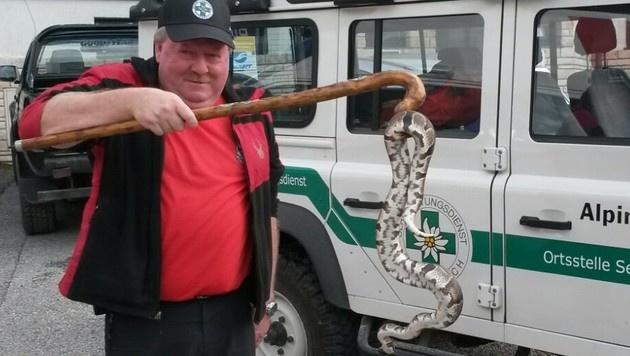 Zwei Pythons am Semmering von Bergrettern gefangen (Bild: APA/ÖBRD/SEMMERING)