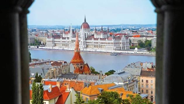 Der wunderschöne Blick auf Budapest und das Parlament an der Donau (Bild: Reinhard Holl)