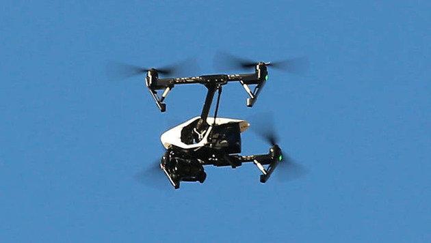 Rettungshubschrauber fast mit Drohne kollidiert (Bild: Christof Birbaumer)