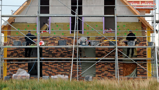 """Soko Baustelle"" soll Lohndumping bek�mpfen (Bild: APA/dpa/Carsten Rehder (Symbolbild))"