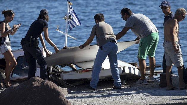 Speedboot rammt Ausflugsschiff: Vier Tote (Bild: Associated Press)