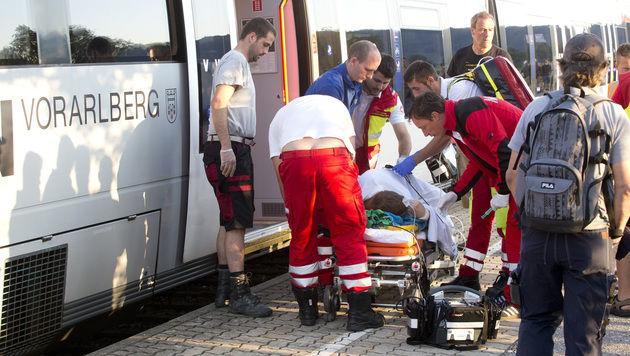Vorarlberg: Mann sticht in Zug auf Fahrgäste ein (Bild: Dietmar Mathis)