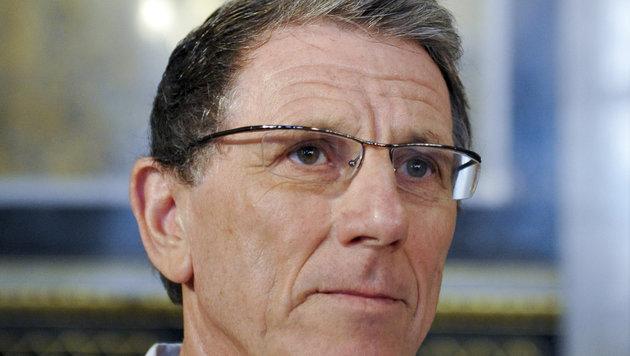 Ex-Lobbyist Hochegger in Privatklinik verhaftet (Bild: APA/Herbert Neubauer)