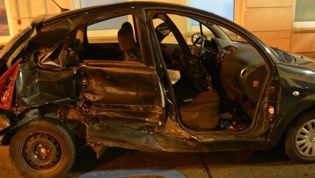 18-Jähriger verursacht Verkehrsunfall: 4 Verletzte (Bild: LPD Wien)