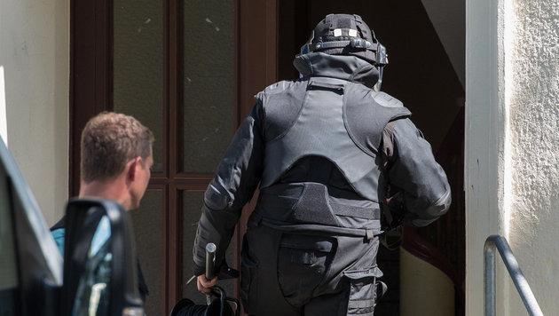 Sprengstoff gelagert: Deutscher Salafist gefasst (Bild: dpa-Zentralbild/Patrick Pleul)