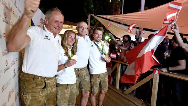 Riesen-Party für Olympia-Helden im Österreich-Haus (Bild: APA/HANS KLAUS TECHT)