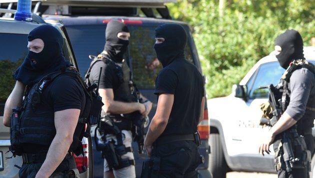 Sprengstoff gelagert: Deutscher Salafist gefasst (Bild: EPA)