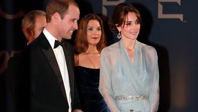 Seriös, unterkühlt, aber durchaus auf die Betonung ihrer Weiblichkeit bedacht: So tritt Kate auf. (Bild: APA/AFP/Chris Jackson)