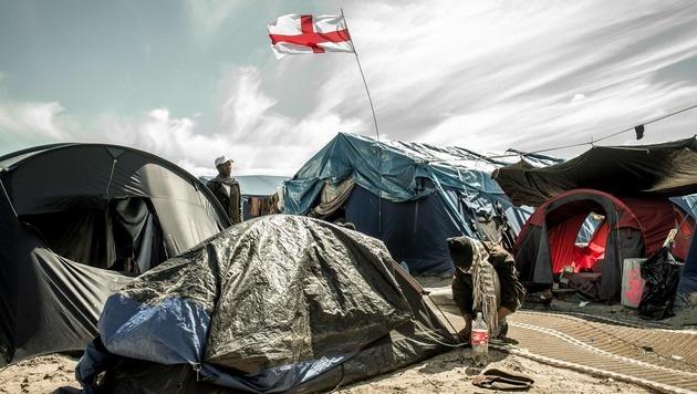 England ist das Ziel der meisten Migranten. (Bild: APA/AFP/PHILIPPE HUGUEN)