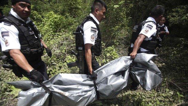Mexiko: Dutzende Leichen in Massengrab entdeckt (Bild: AFP)