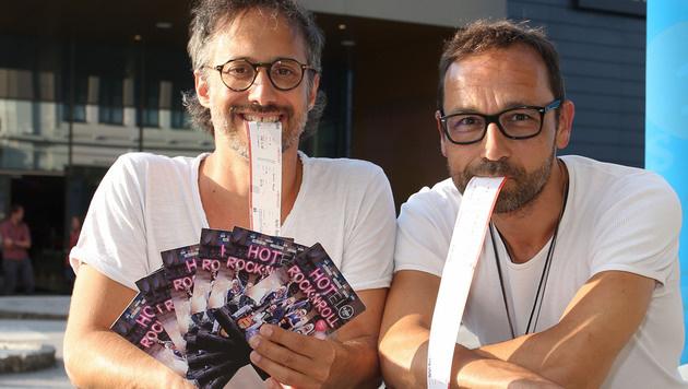 Ostrowski & Kollege Gerald Votava bei der Premiere in Salzburg (Bild: Neumayr/SBG)