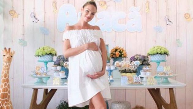 Candice Swanepoel verriet auf ihrer Baby-Party den Namen ihres Söhnchens. (Bild: Viennareport)