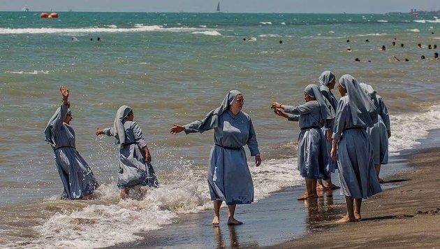 Italien: Imam sorgt mit Foto von Nonnen für Wirbel (Bild: facebook.com/Izzeddin Elzir)