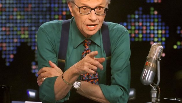 Ex-CNN-Star Larry King von Russen geschmiert (Bild: CNN/AP)