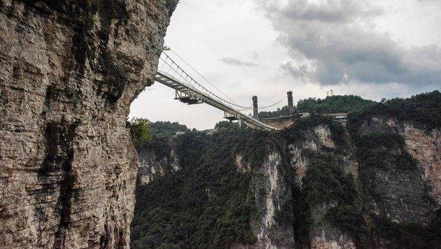 Das ist die l�ngste gl�serne Br�cke der Welt (Bild: AFP)