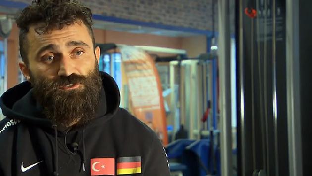 T�rkischer Boxprofi �nsal Arik (Bild: Screenshot/Sat.1)