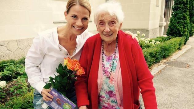 Frau Greiner im Glück: Sprenger traf sich mit ihrem Fan. (Bild: facebook.com/KristinaSprenger)