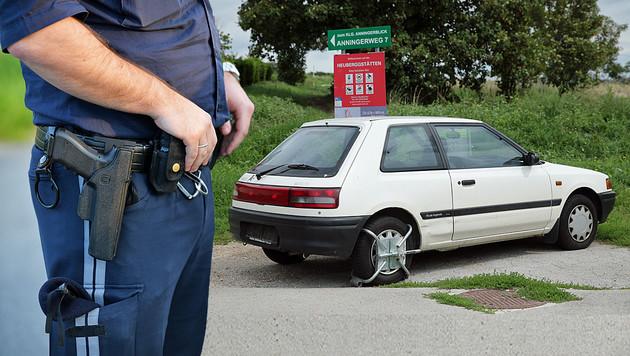 Mit diesem gestohlenen Mazda raste der 13-Jährige durch Wien. (Bild: APA/Barabra Gindl, Peter Tomschi)