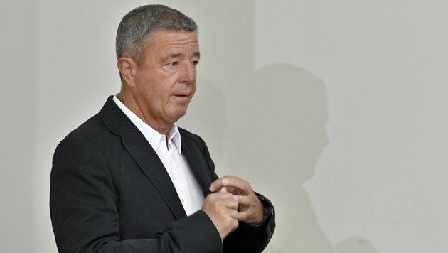 Gernot Rumpold im Straflandesgericht Wien (Bild: APA/HERBERT NEUBAUER)