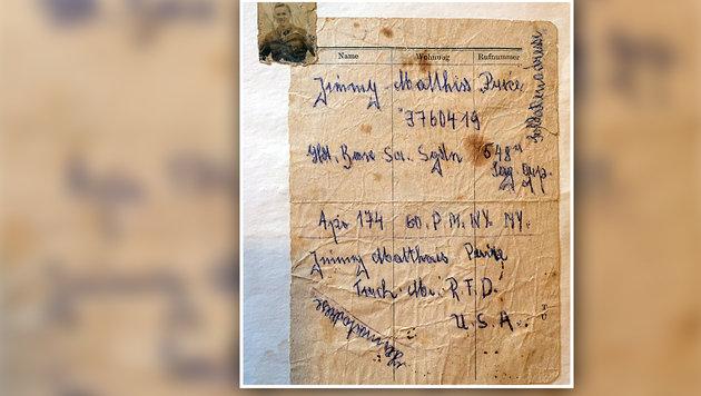 Diesen Zettel mit Namen und Dienstanschrift hinterließ Erwins Vater 1946. (Bild: Gerhard Schützenhofer)