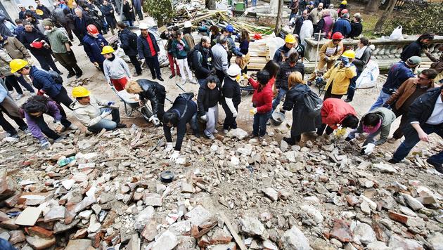2009 kamen in L'Aquila mehr als 300 Menschen ums Leben. (Bild: ROBERTO SALOMONE/AFP /picturedesk.com)