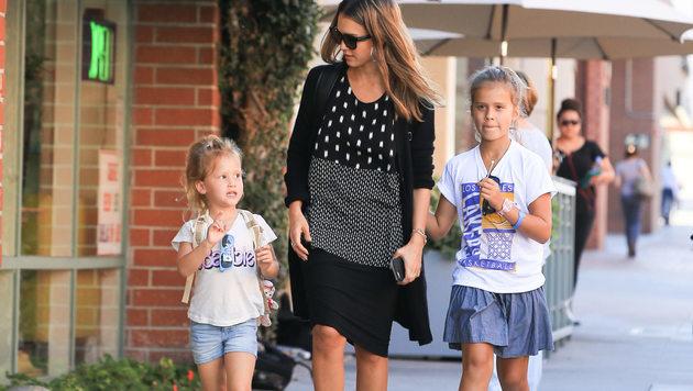Jessica Alba mit ihren Töchtern Haven und Honor (Bild: Viennareport)