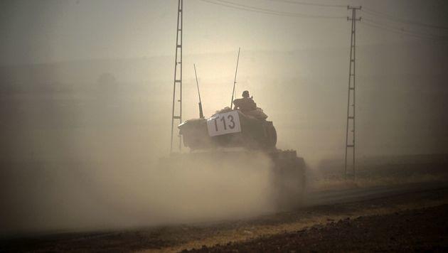 Ein türkischer Panzer in Syrien (Bild: APA/AFP/BULENT KILIC)