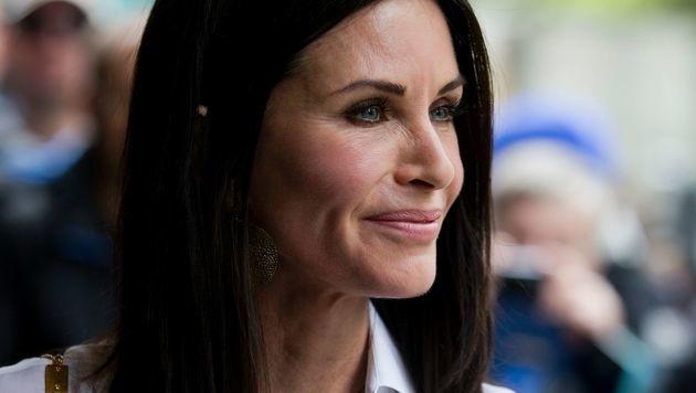 Mittlerweile steht Courteney Cox zu ihren Falten. (Bild: APA/AFP/JUSTIN TALLIS)