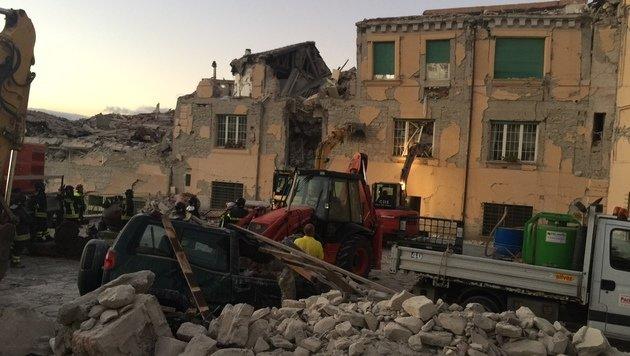 Beben in Italien: Tr�mmer, Tod und tausend Tr�nen (Bild: Andi Schiel)