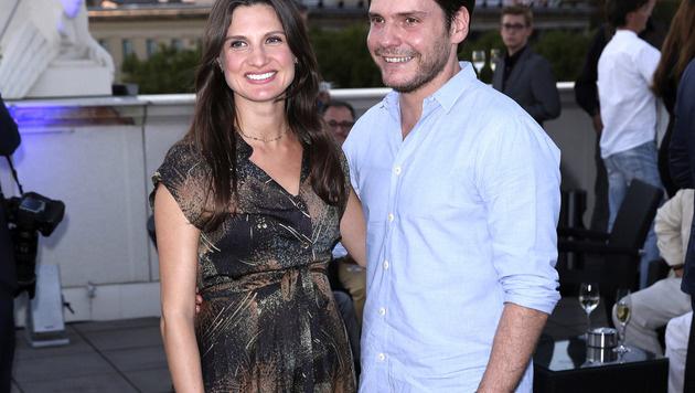 Daniel Brühl mit Freundin Felicitas (Bild: Viennareport)